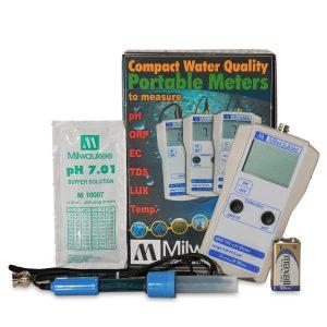 Milwaukee MW100 pH meter